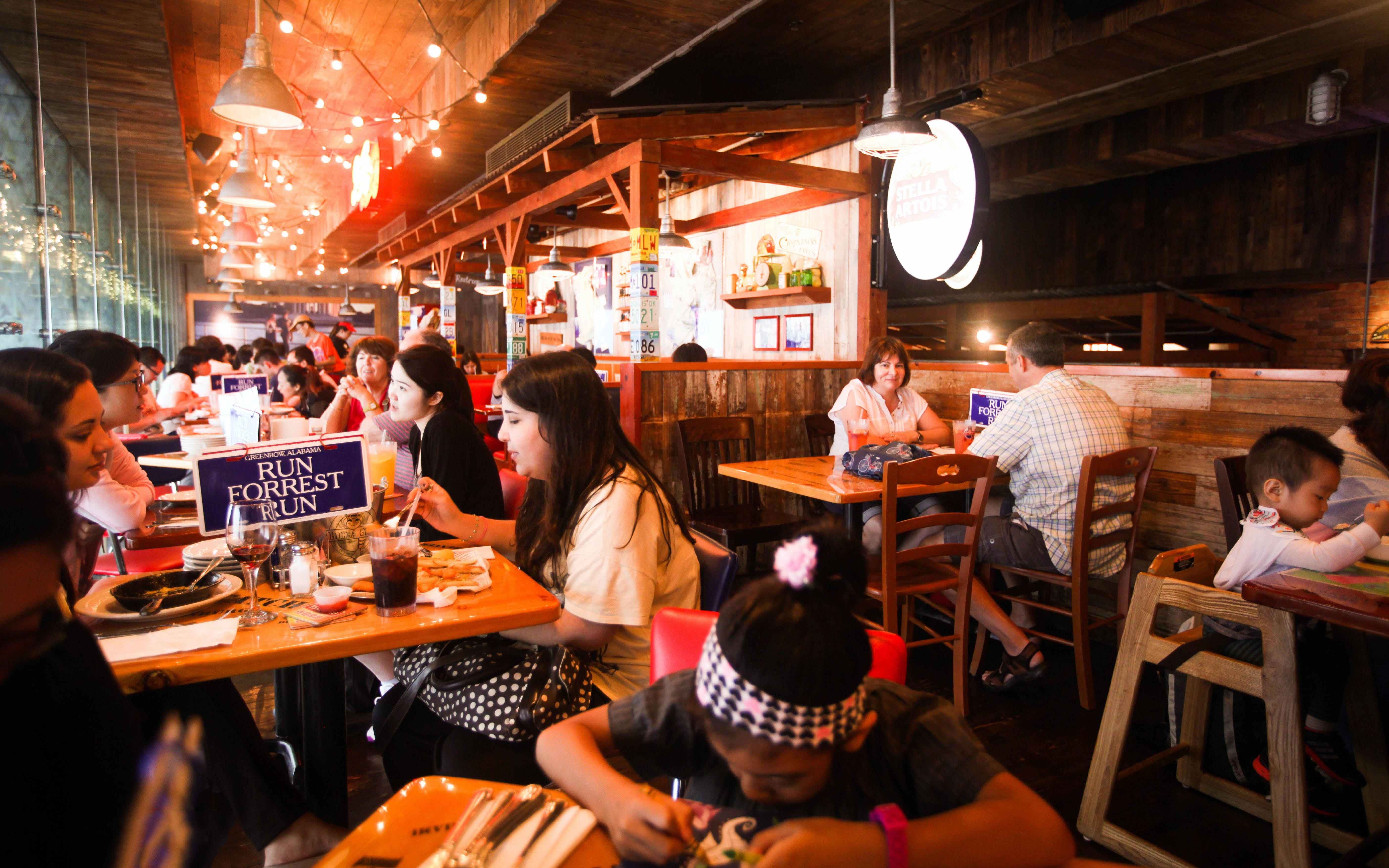 dining at the peak: bubba gump-2