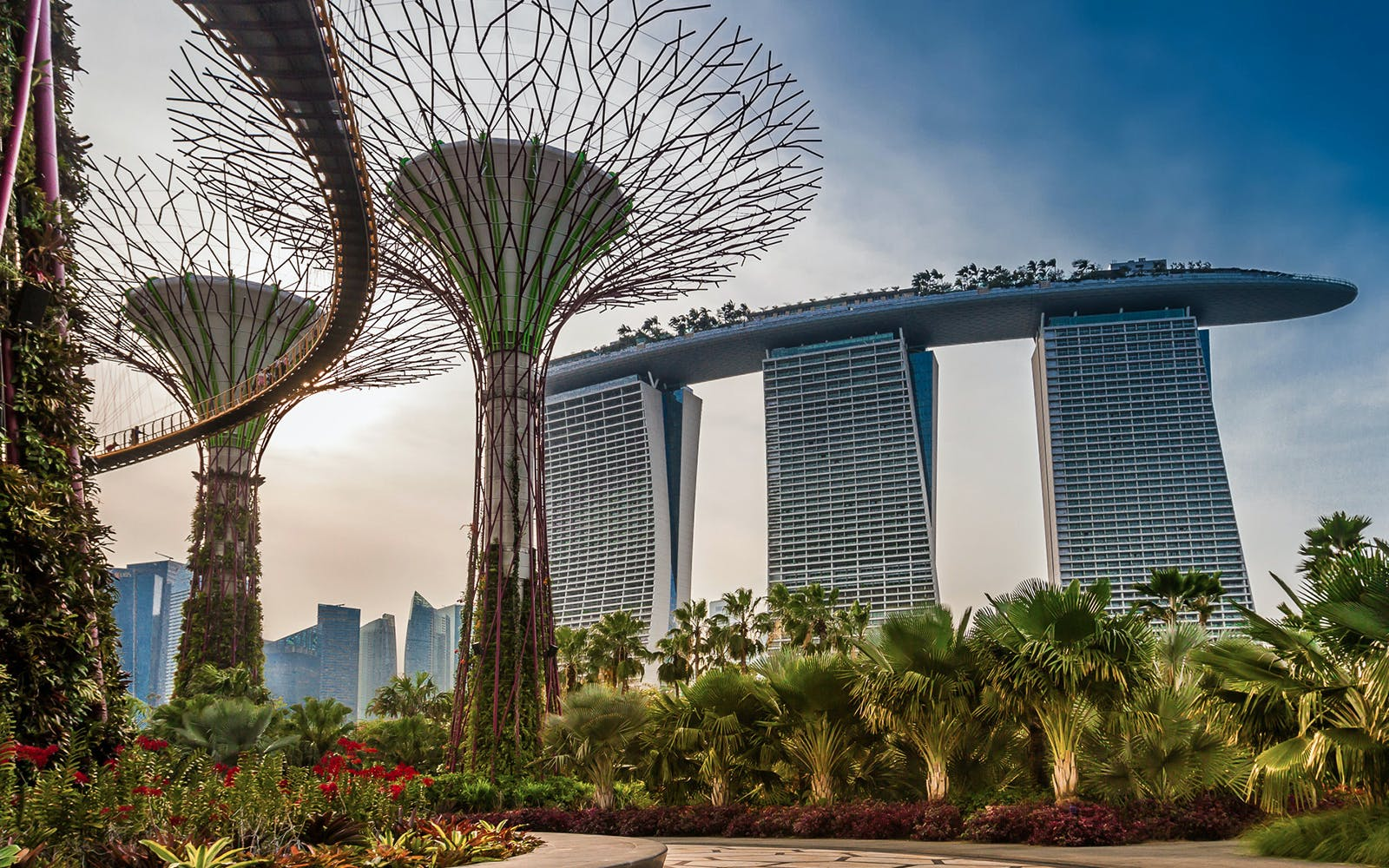 Skip the line Access to Marina Bay Sands and Gardens By the Bay with OCBC Skyway