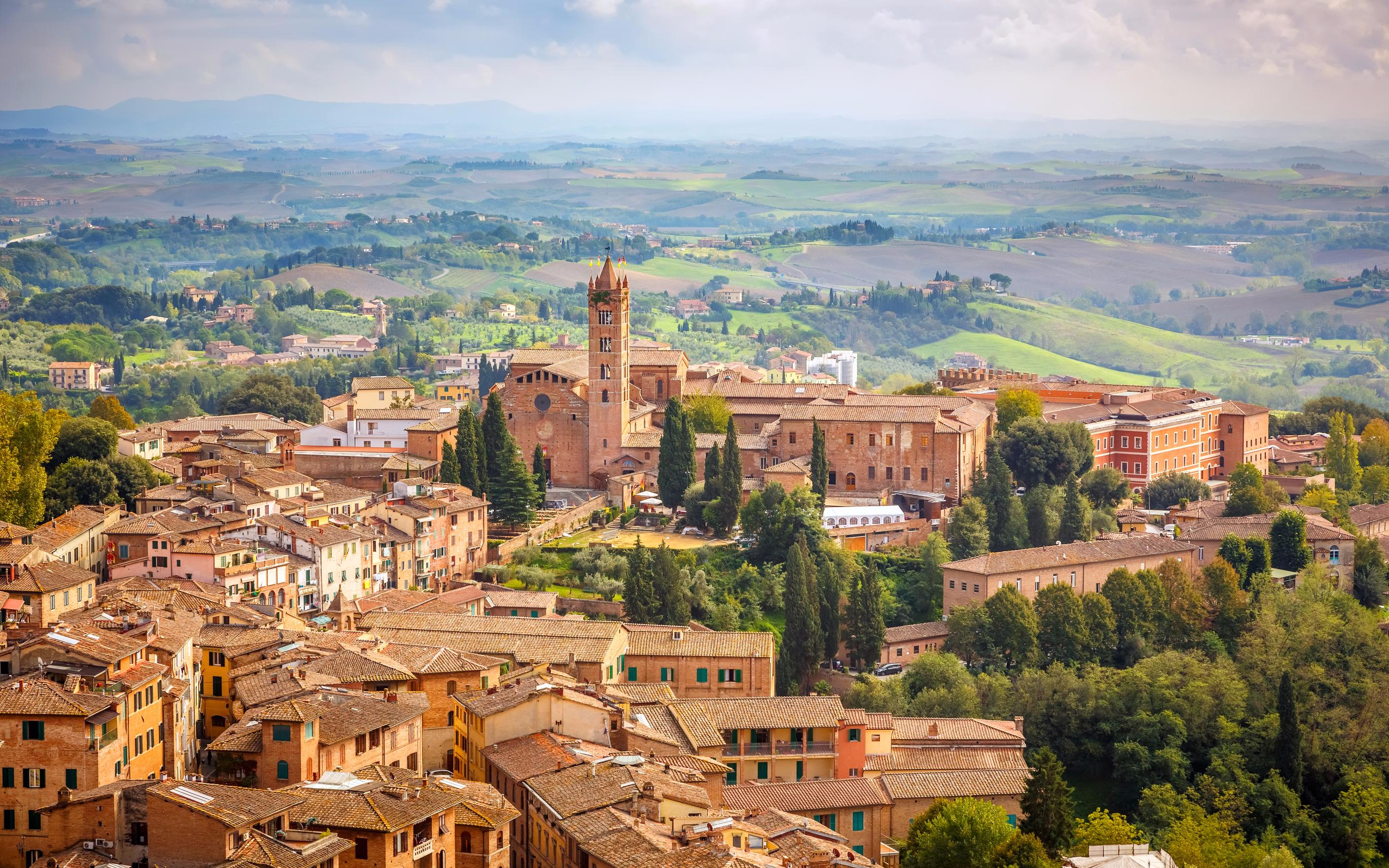 Come arrivare a Siena in auto, bus, treno, aereo