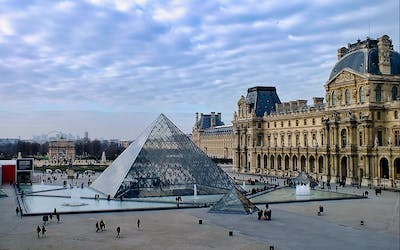 Small Group Guided Tour of the Louvre Museum