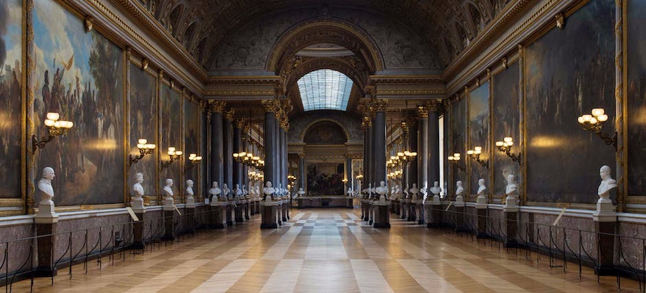 Palace of Versailles Entry Ticket with Audioguide