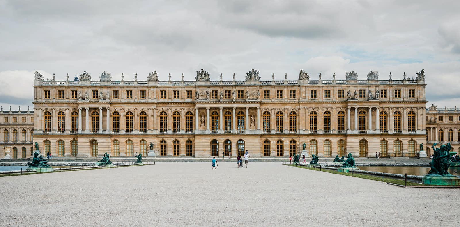paris tour - palace of versailles