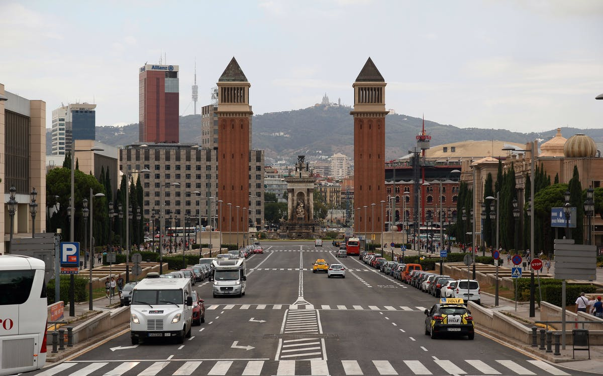 the barcelona turistic: hop-on-hop off bus tour-2