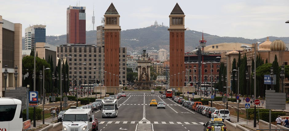 The Barcelona Turistic: Hop-On-Hop Off Bus Tour