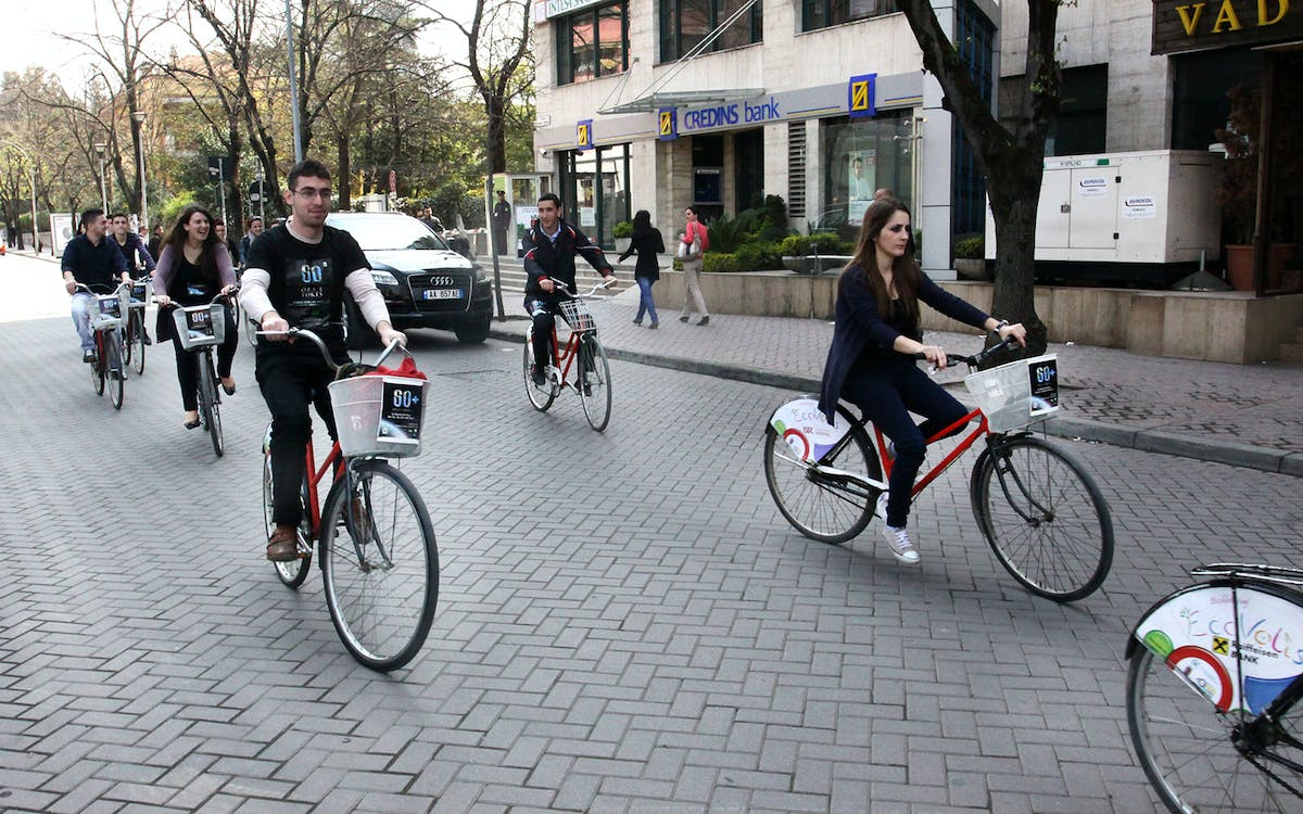 barcelona city tour by bike-2
