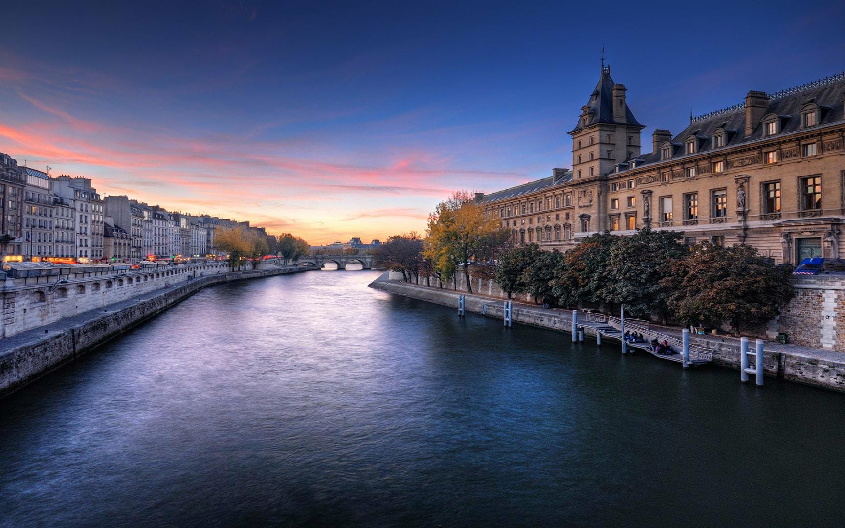 Skip The Line Tickets to Orsay Museum + Seine River Cruise