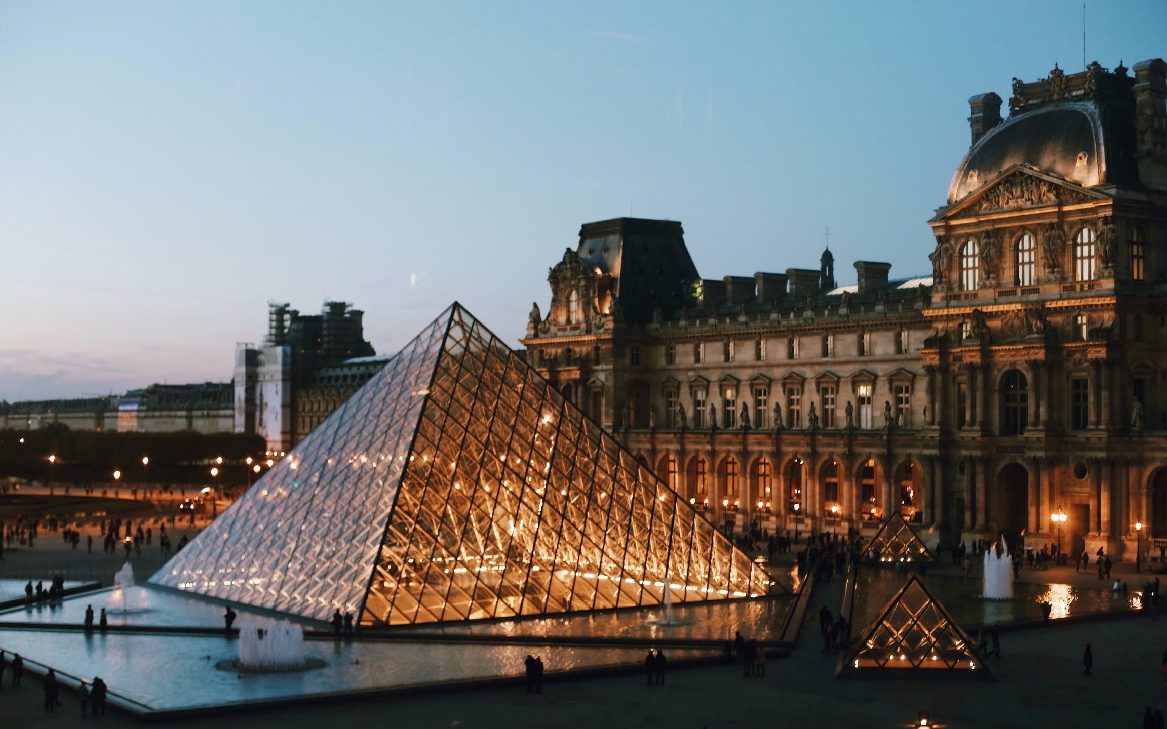 louvre dedicated entry + notre dame cathedral tour + seine river cruise-2