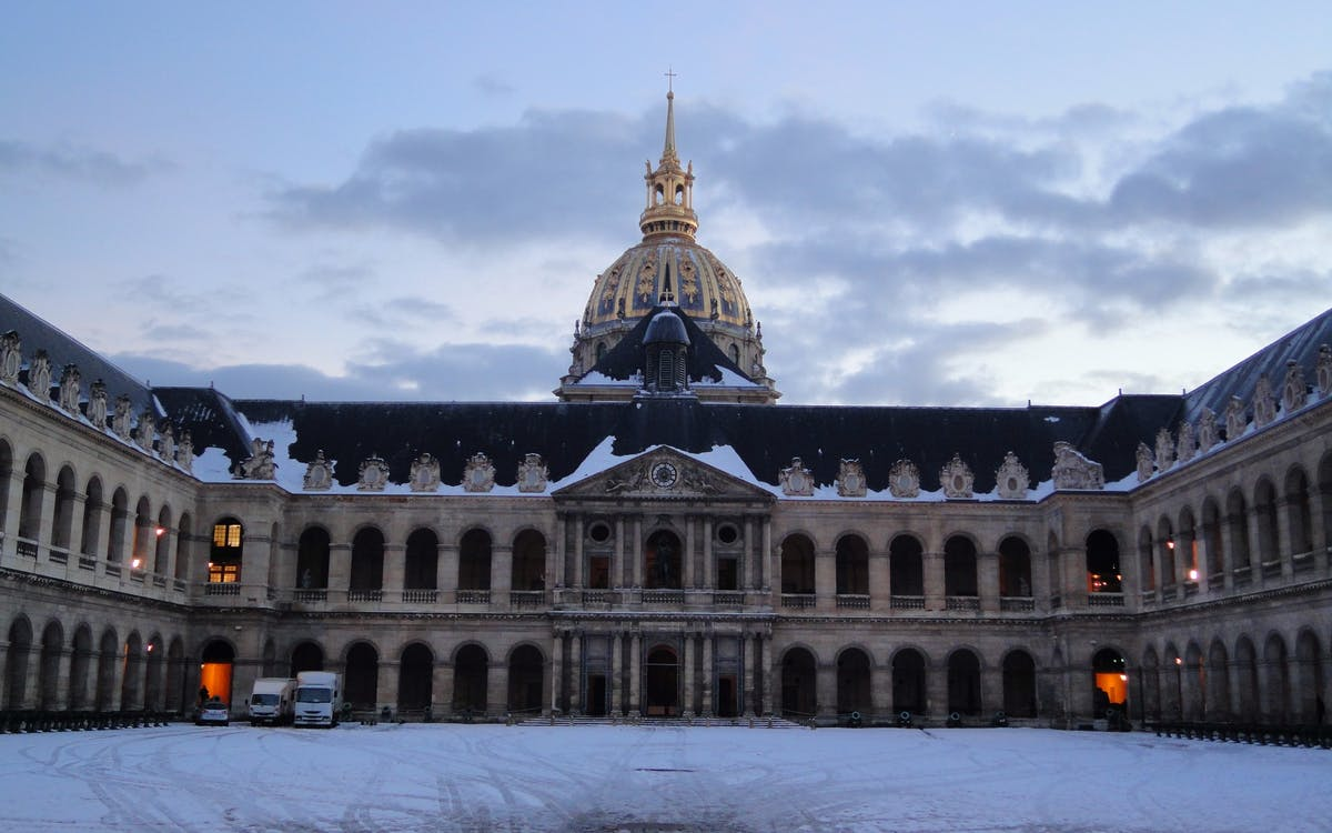 les invalides: napoleon's tomb and the army museum tour-1