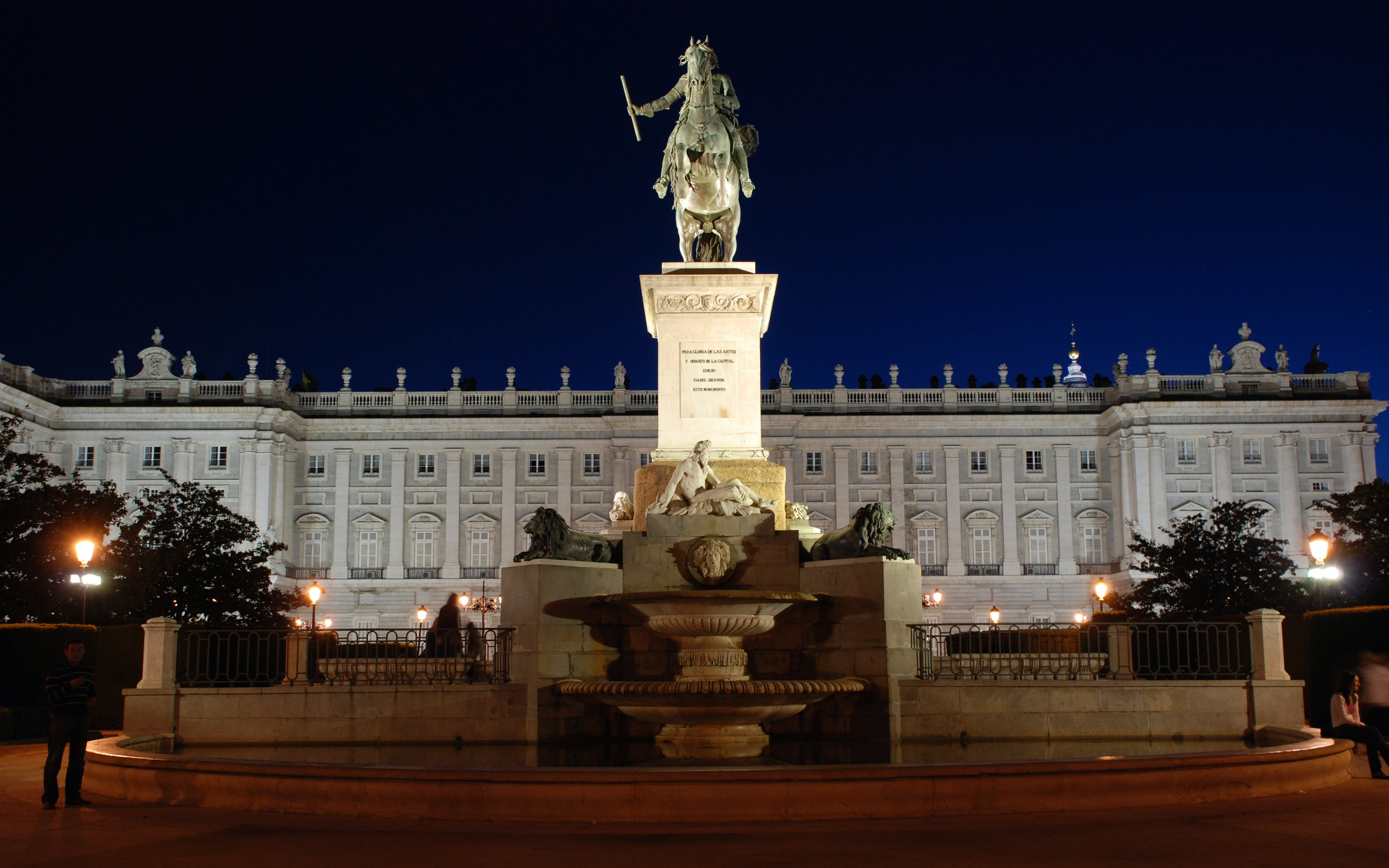 royal palace of madrid-3