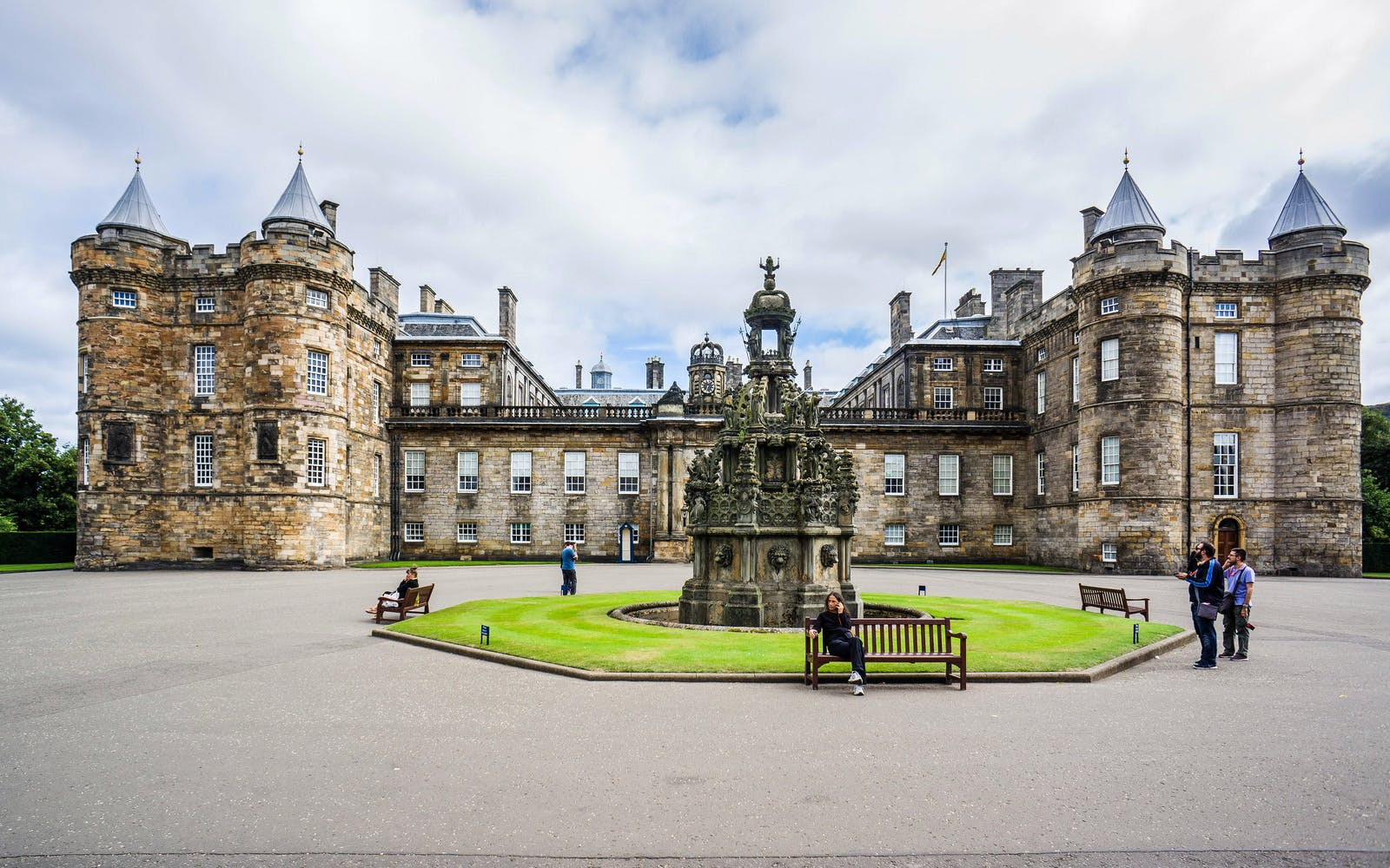 palace of holyroodhouse with audio guide-1