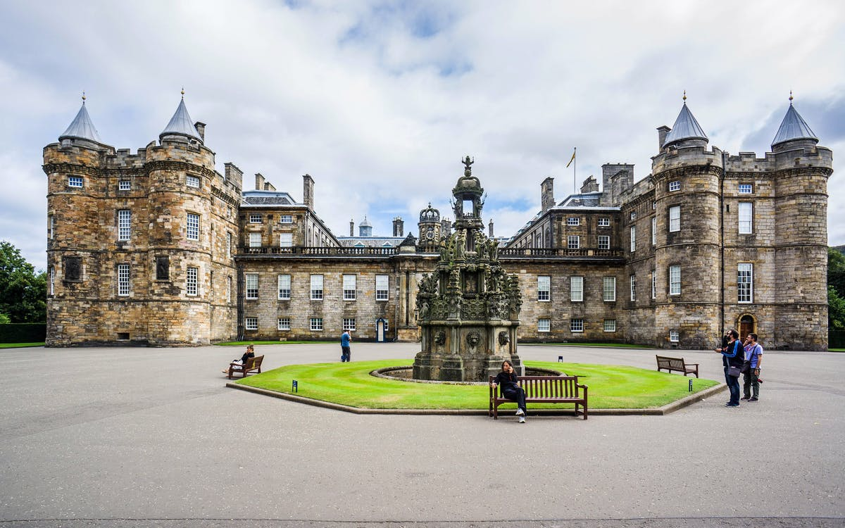palace of holyroodhouse tickets with audio guide -1