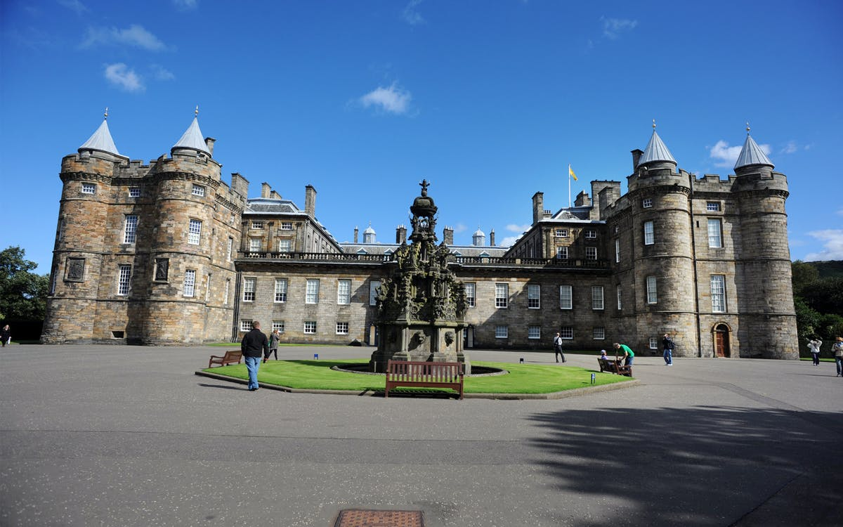 palace of holyroodhouse tickets with audio guide-1