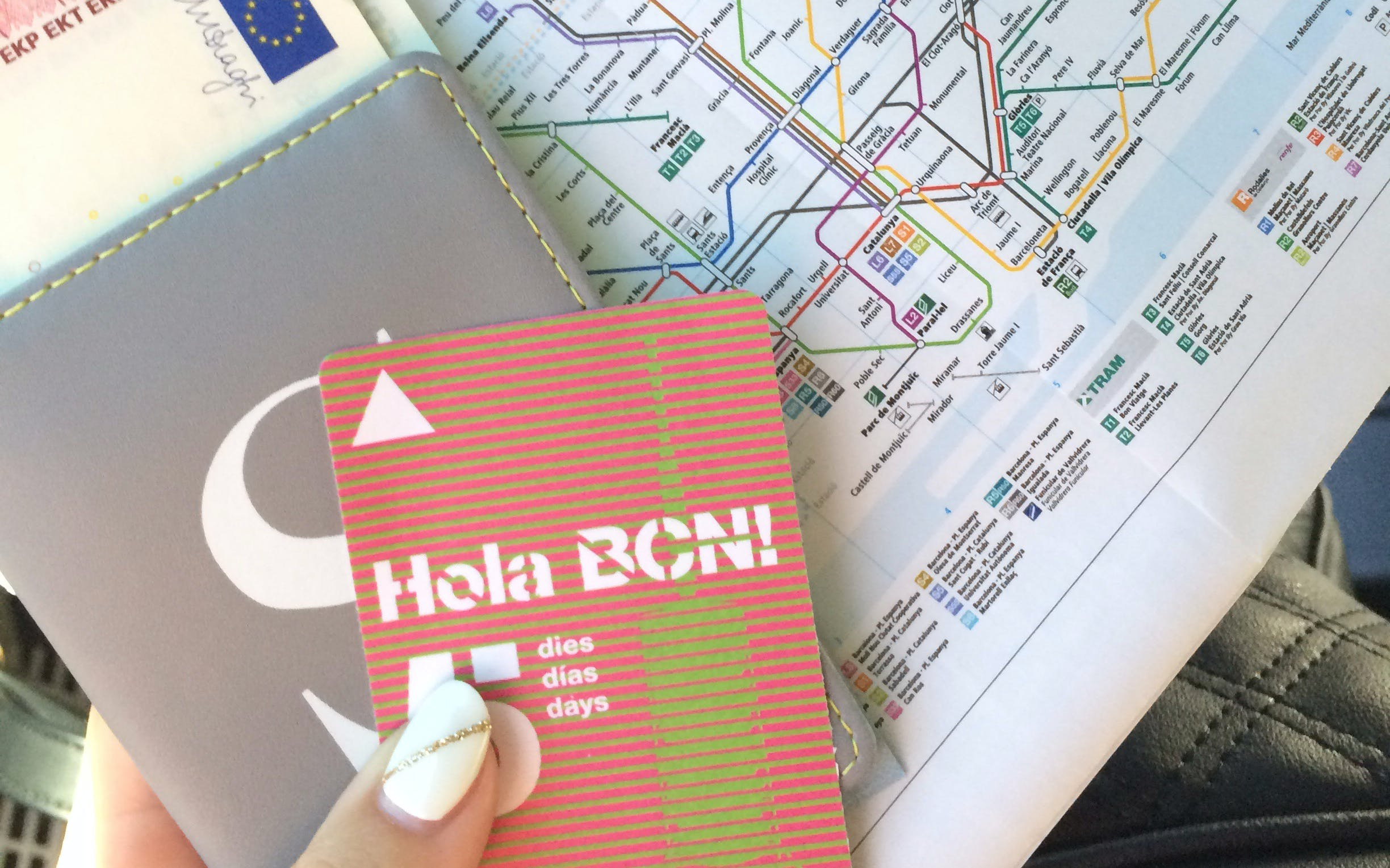 hola barcelona unlimited transportation pass: 2,3,4 & 5 days-3