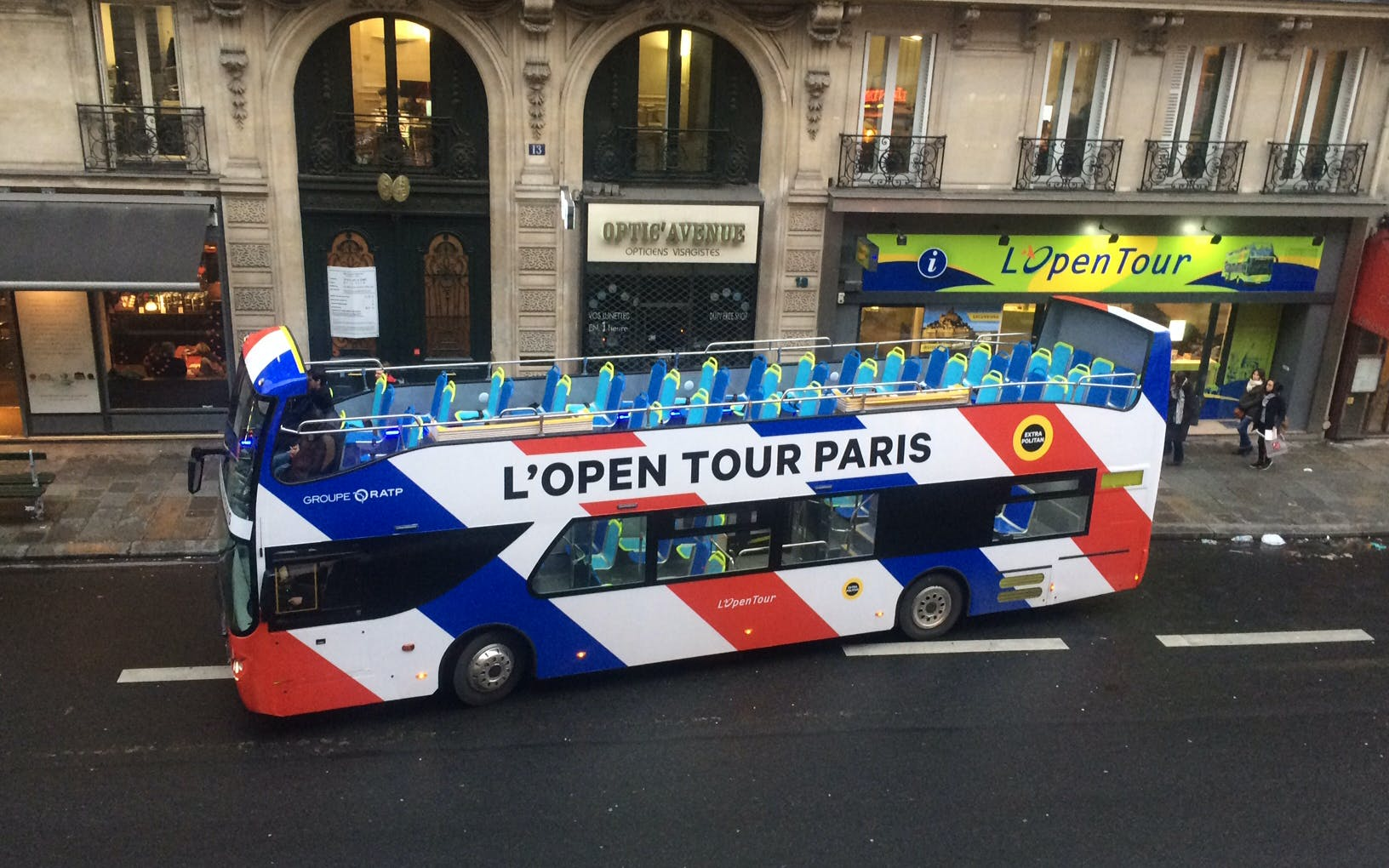 Blue Line Special: HOHO 2Day Pass + Eiffel + Seine + Louvre/Orsay