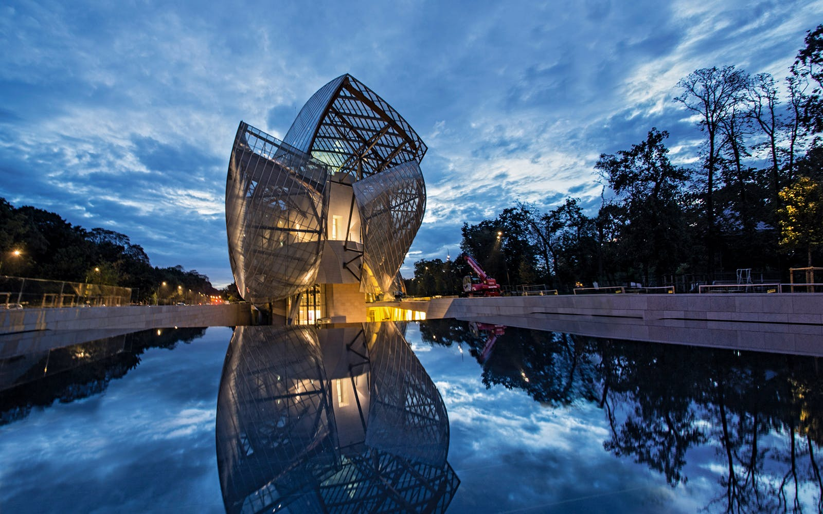 priority access to the louis vuitton foundation-3