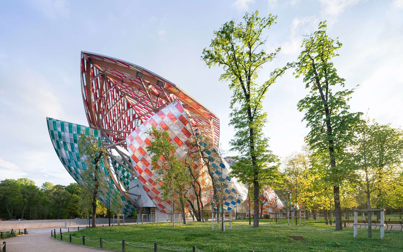 priority access to the louis vuitton foundation-1