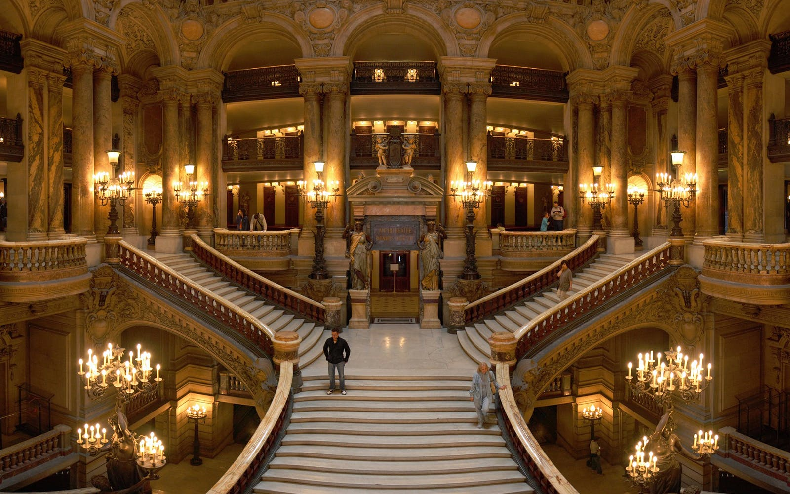 self guided tour of the opera garnier-3