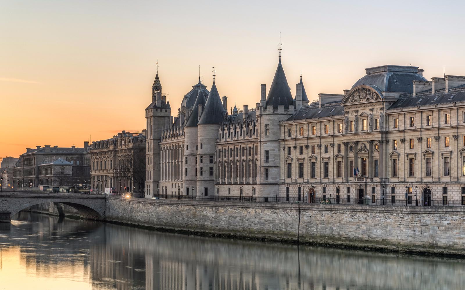 Paris in 5 days- Saint Chapelle