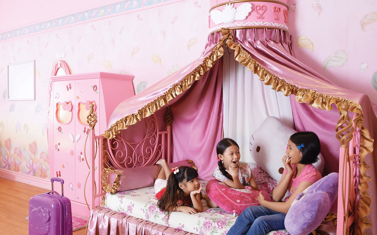 hello kitty town malaysia with 2 - way transfers-3