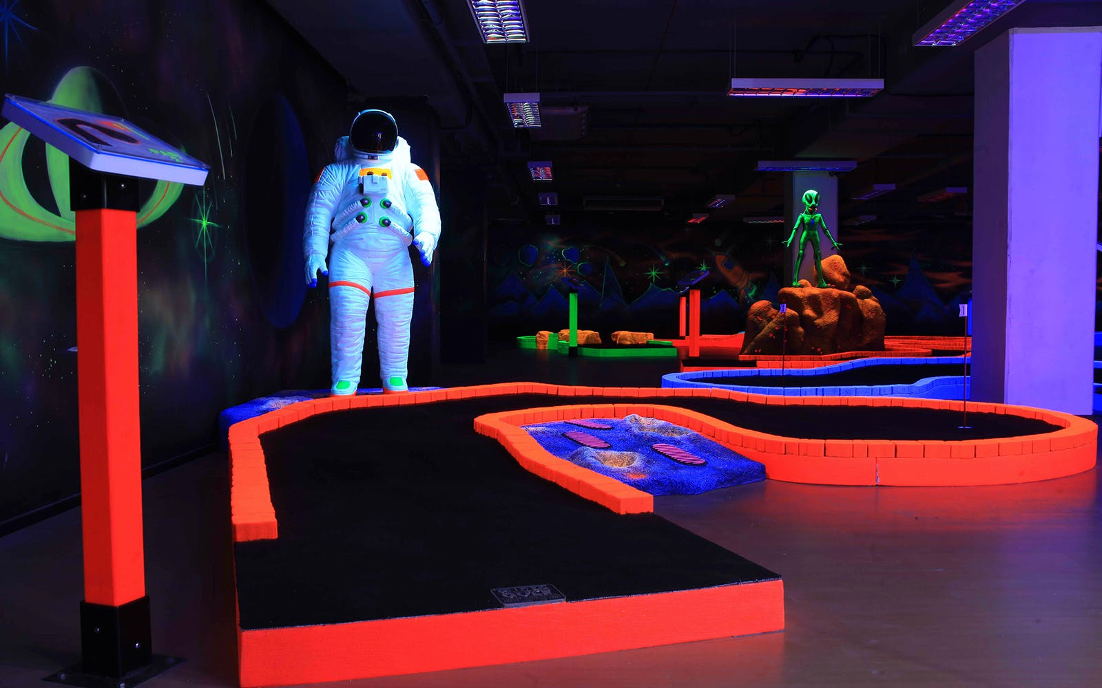Glow in the Dark Mini Golf