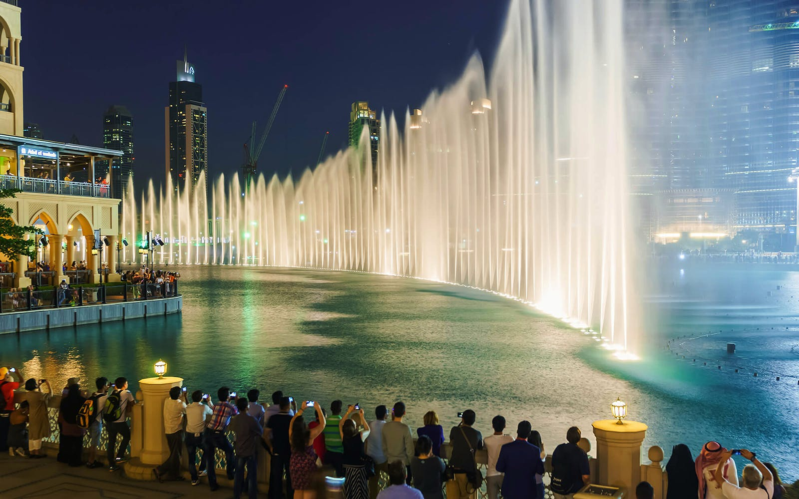 burj khalifa + dubai fountain boardwalk-2