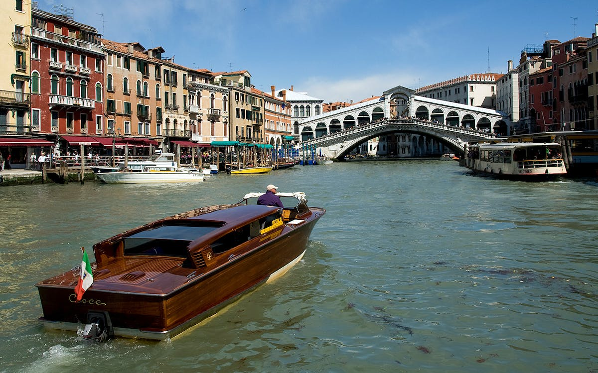 marco polo airport to/from venice watertaxi transfers-3