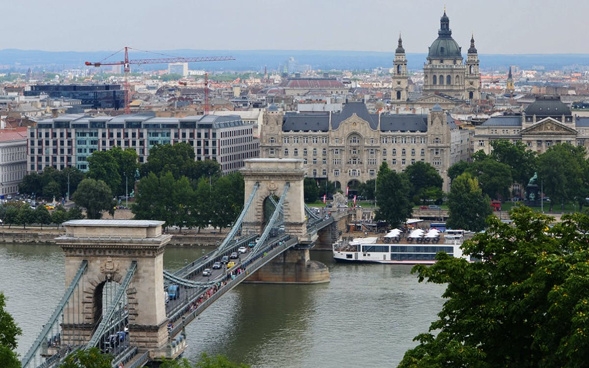 budapest city tour with hotel pickup-1