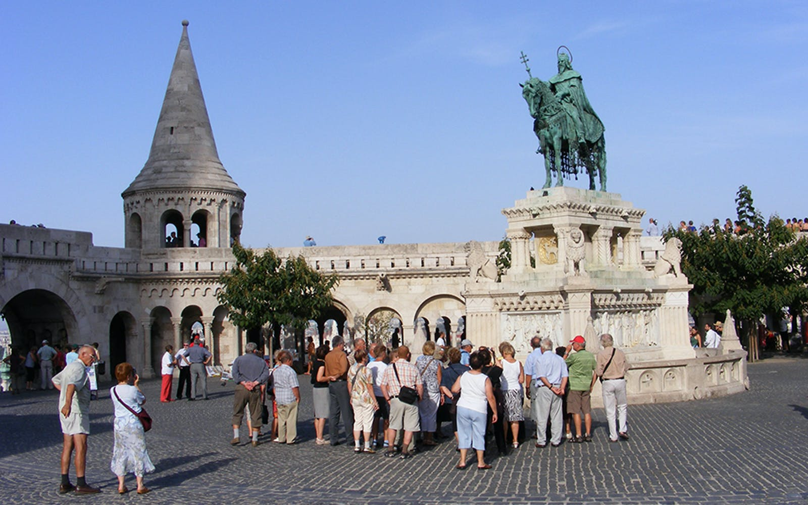 2-hour buda guided tour-4