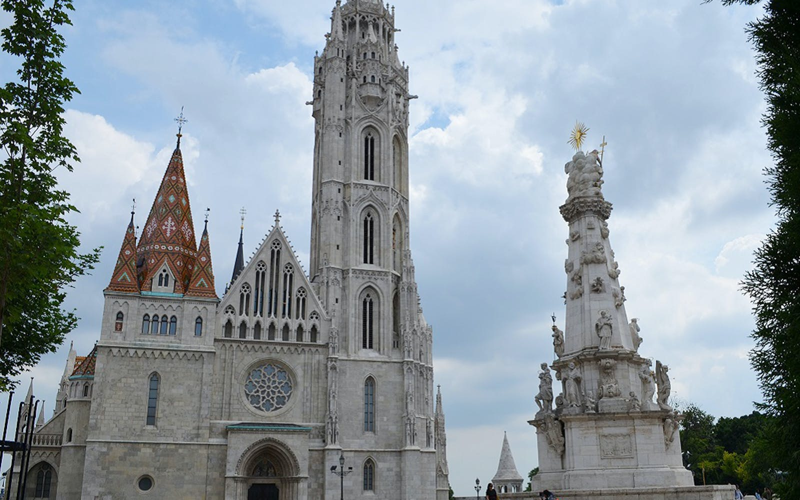 guided walking tour of buda-3
