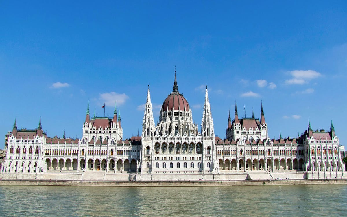 budapest:hungarian parliament priority access guided tour-1
