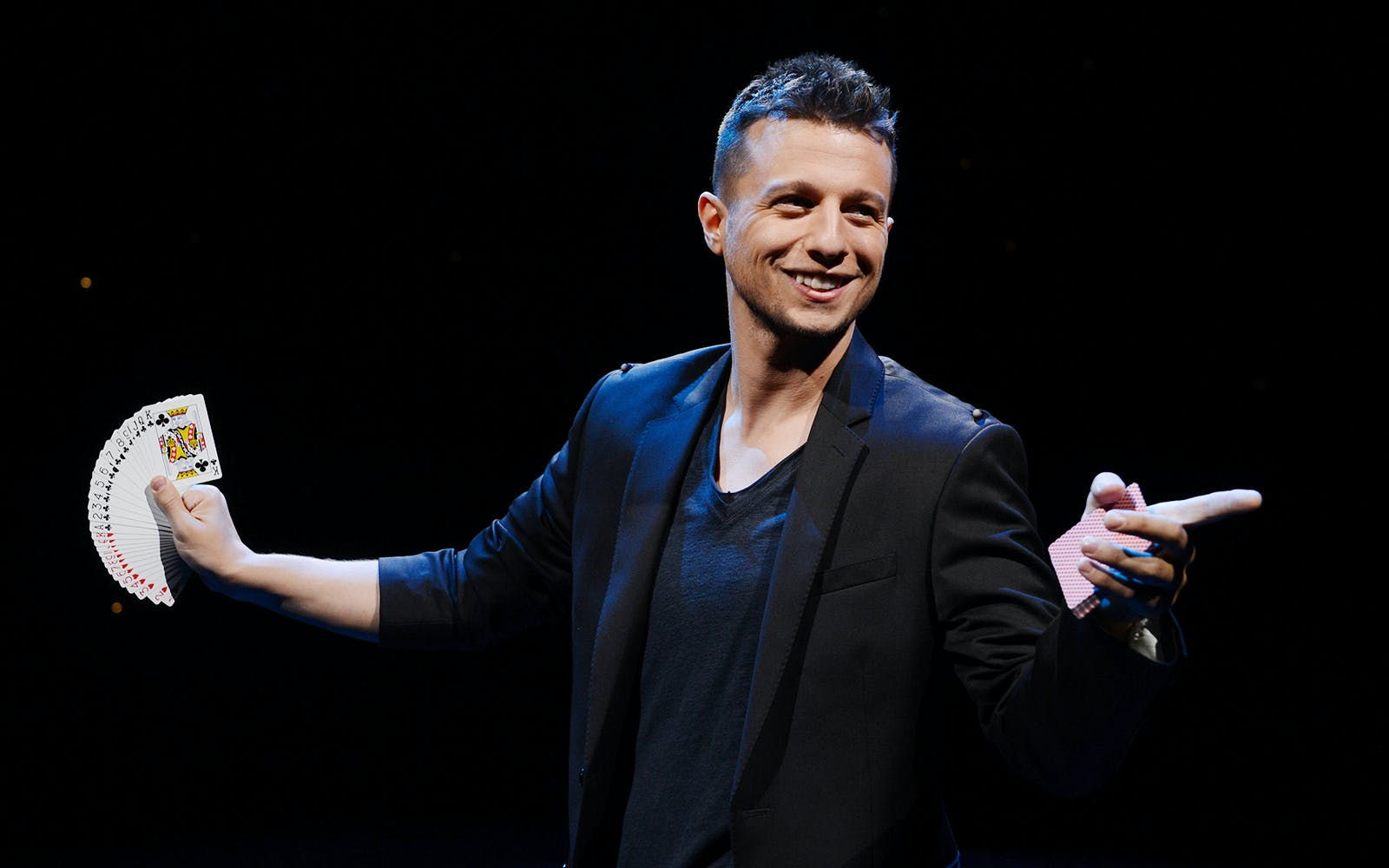 mat franco - magic reinvented nightly-3