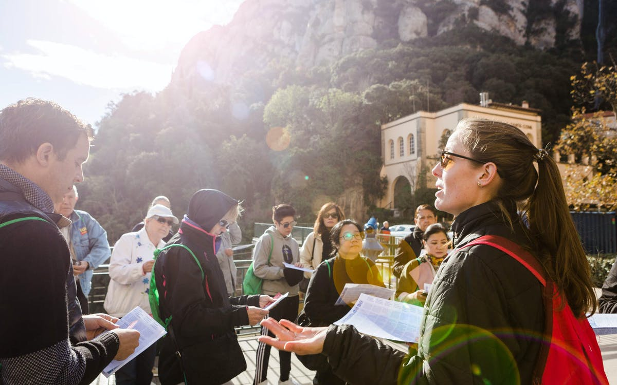 totmontserrat card: train from barcelona, cog-wheel, self-guided tour & lunch bu-1