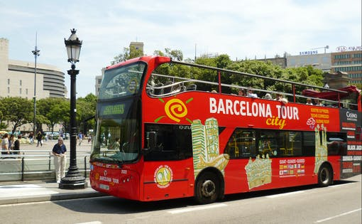 Barcelona By Land & Sea - Hop On-Hop Off + Skyline Boat Tour