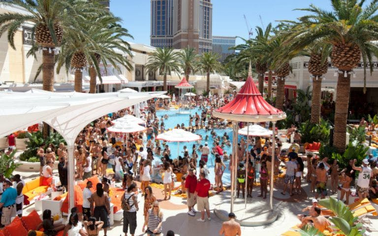 encore beach club -1