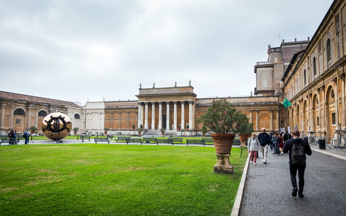 small group tour of vatican museums, st. peter's basilica and sistine chapel-1