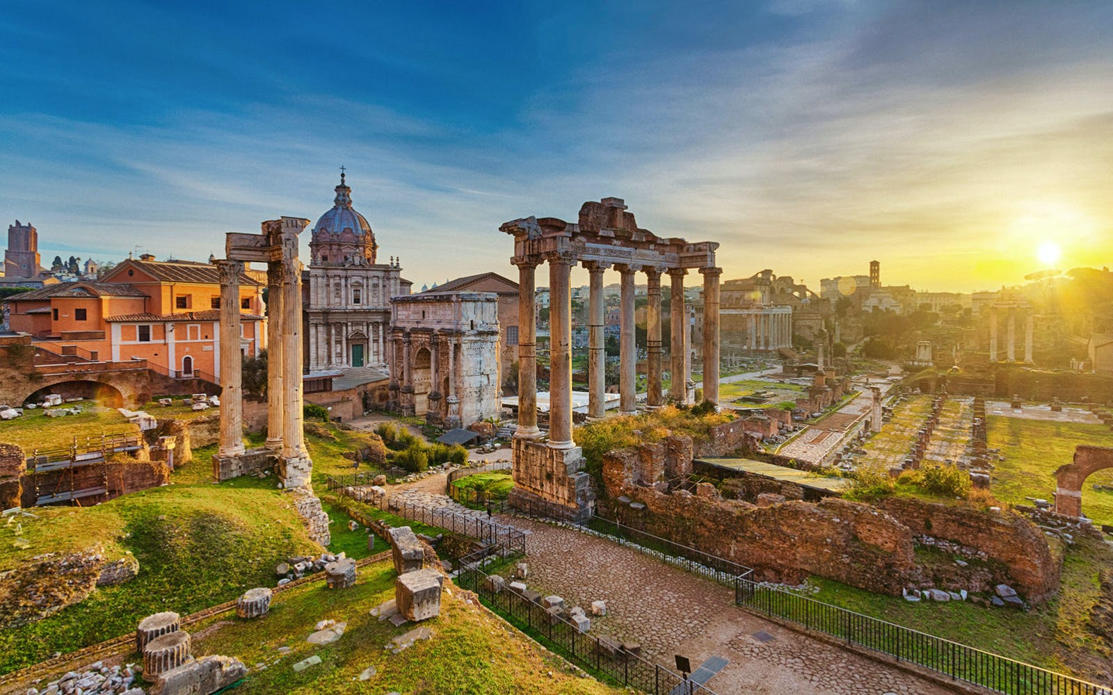 guided walking tour of rome + colosseum, roman forum and palatine hill-2
