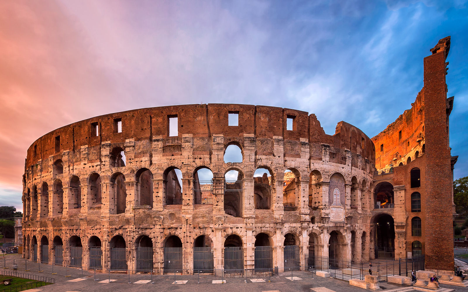 31c6d57f 9ddf 4ba3 bdc4 3f8b3394eb7b 8878 rome skip the line guided tour of colosseum roman forum and palatine hill 01