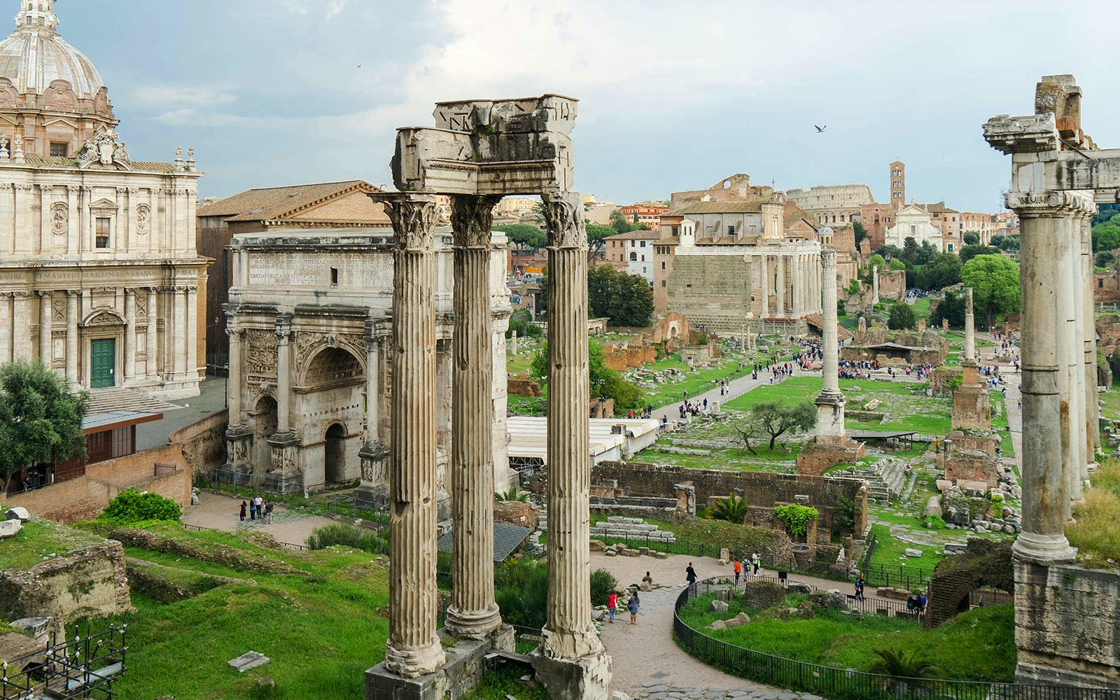 colosseum belvedere vip top tier access tour with roman forum and palatine hill-3