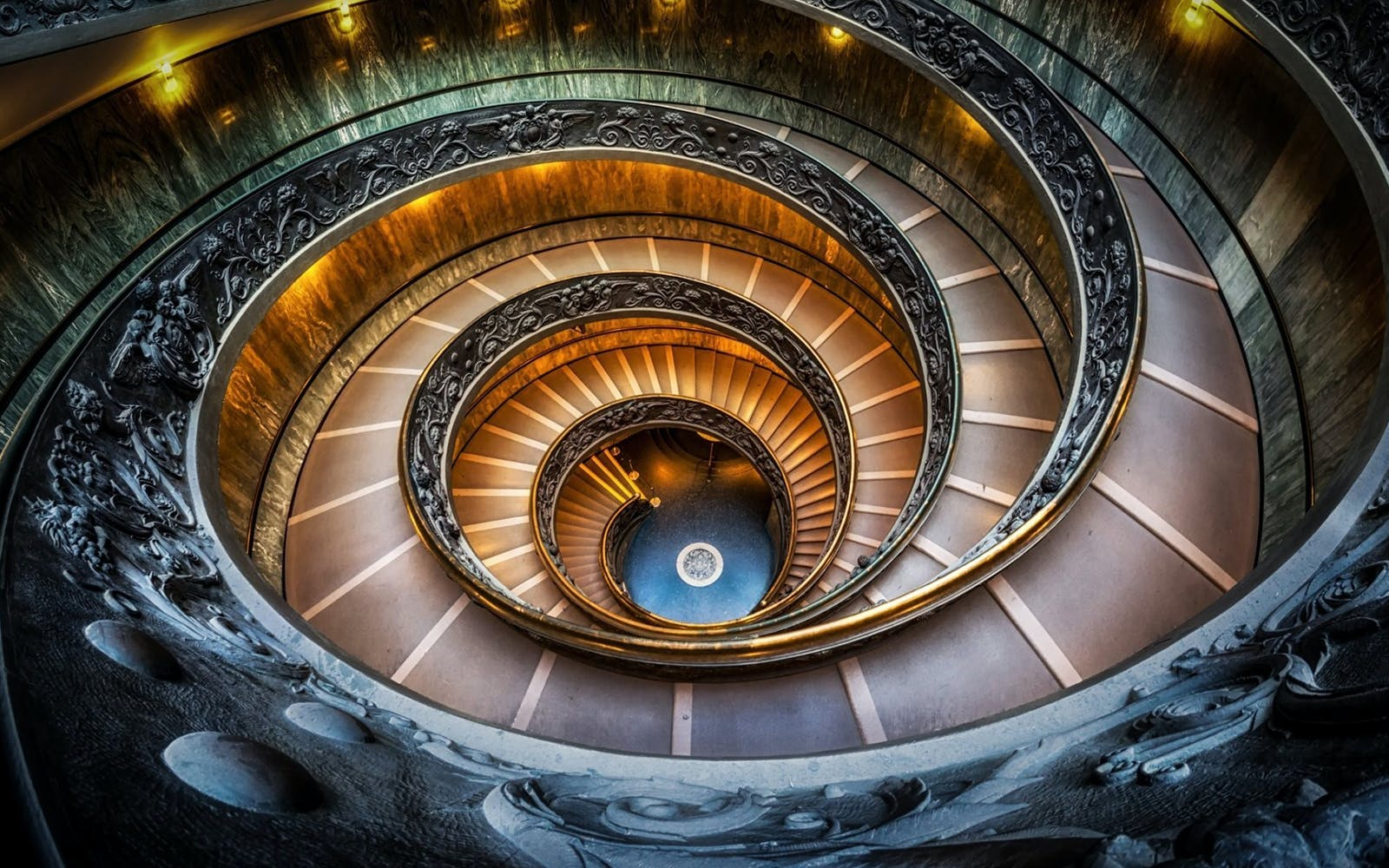Skip the Line Tickets with Audio-guide to the Vatican Museums and Sistine Chapel