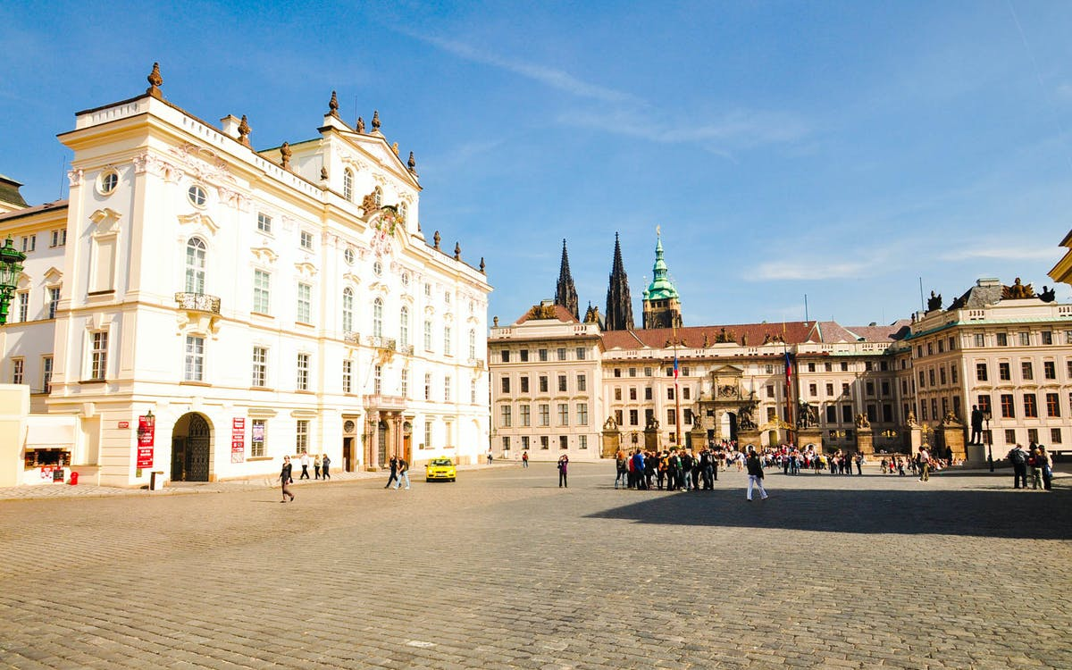 prague castle: skip the line tickets with introduction-1