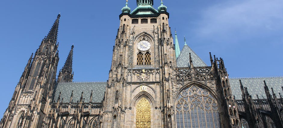 Fast Track Prague Castle Admission Tickets with Introductory overview