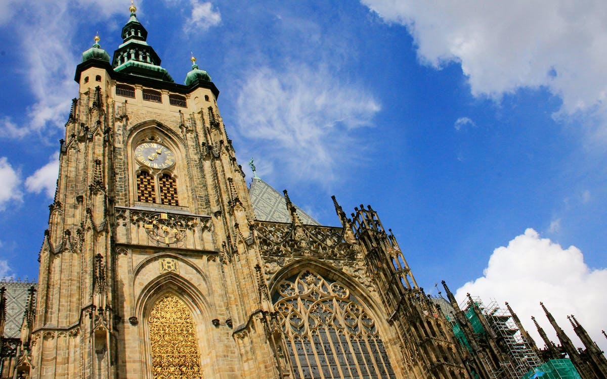 fast track guided tour of prague castle-1