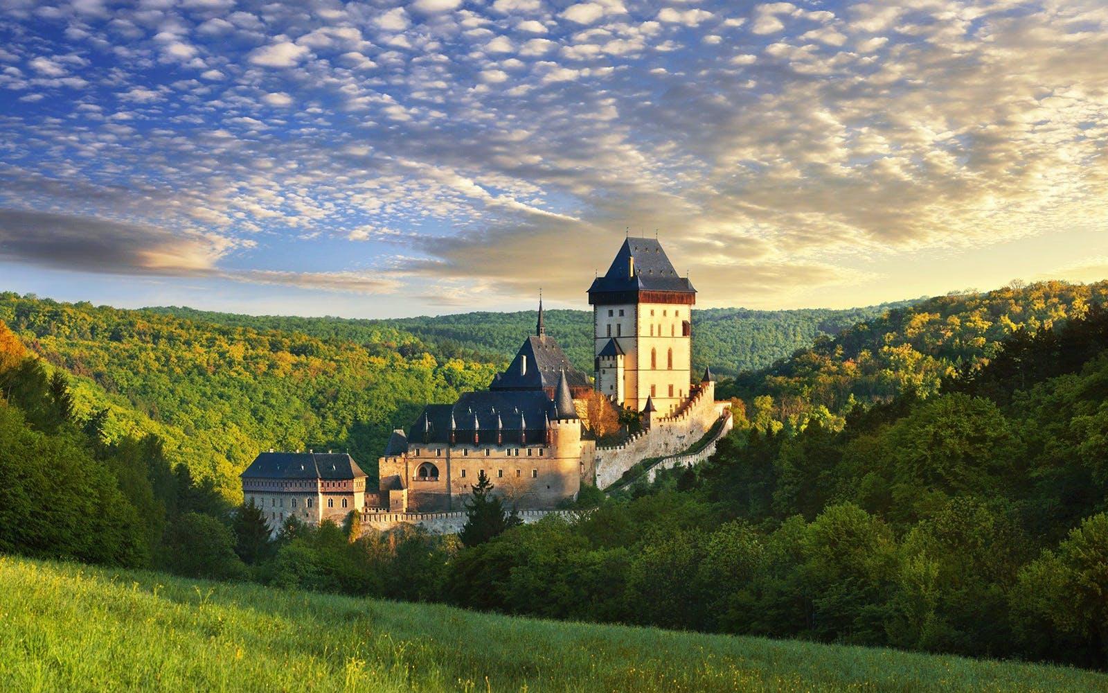Prague to Karlštejn Castle