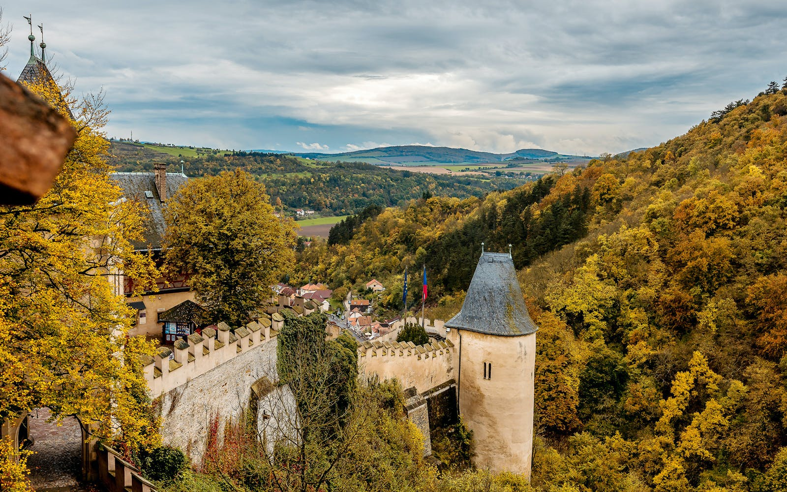 guided tour of karlštejn castle with lunch-3
