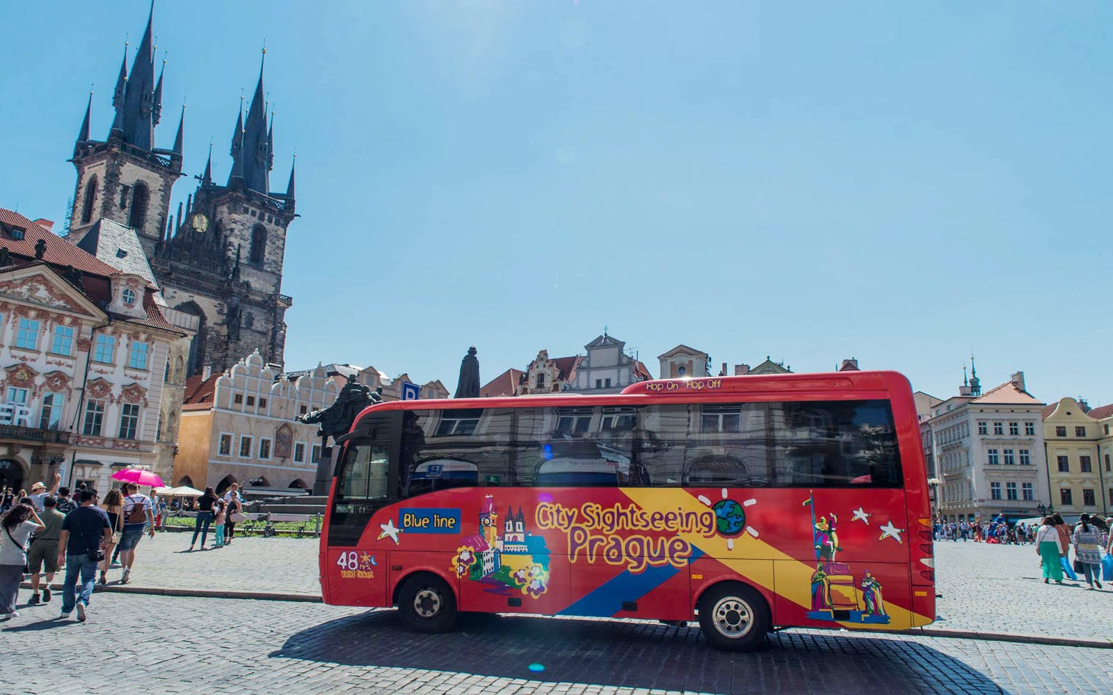 Hop on Hop off City tour with Access to Prague Castle