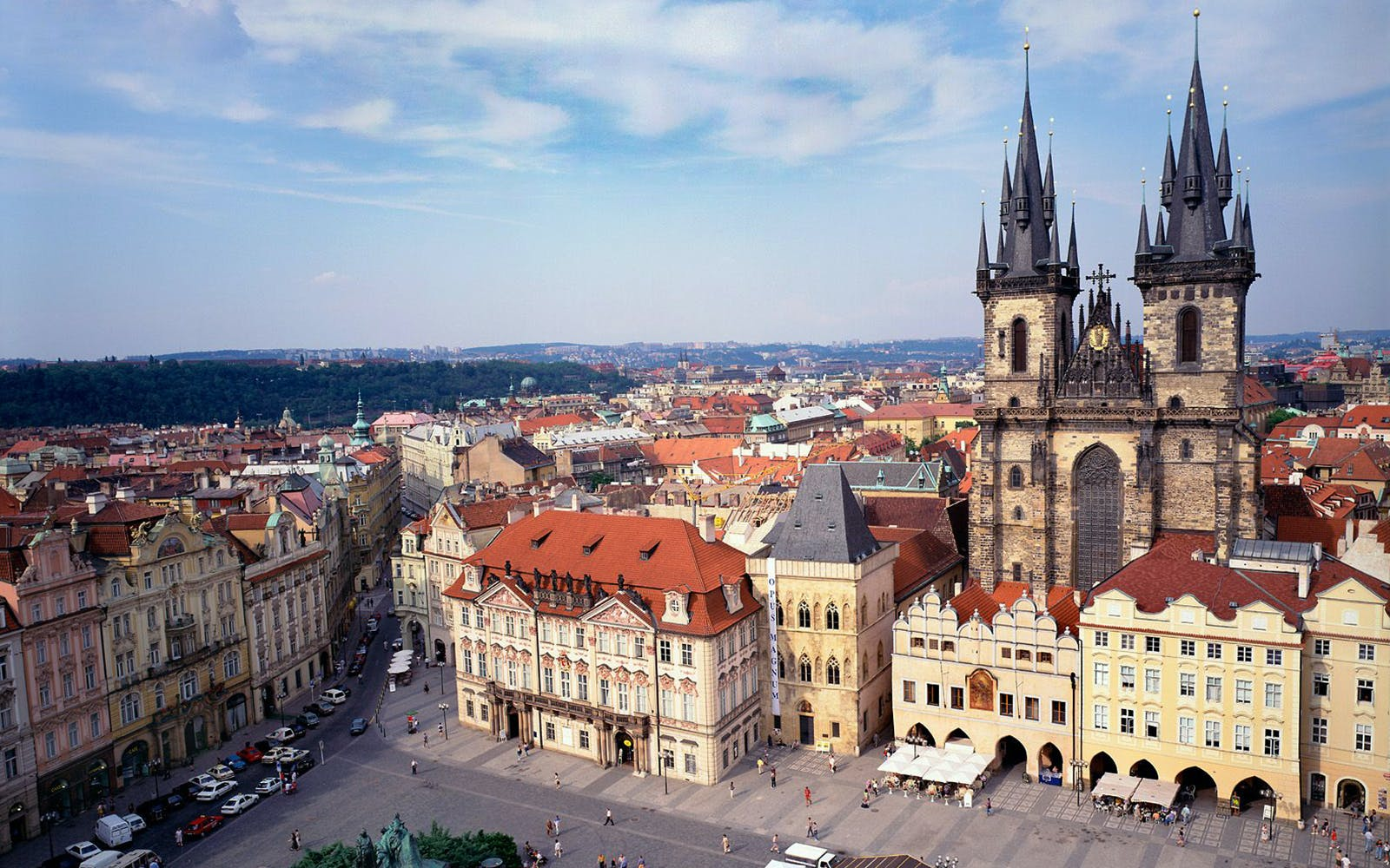 hop on hop off city tour with access to prague castle -2