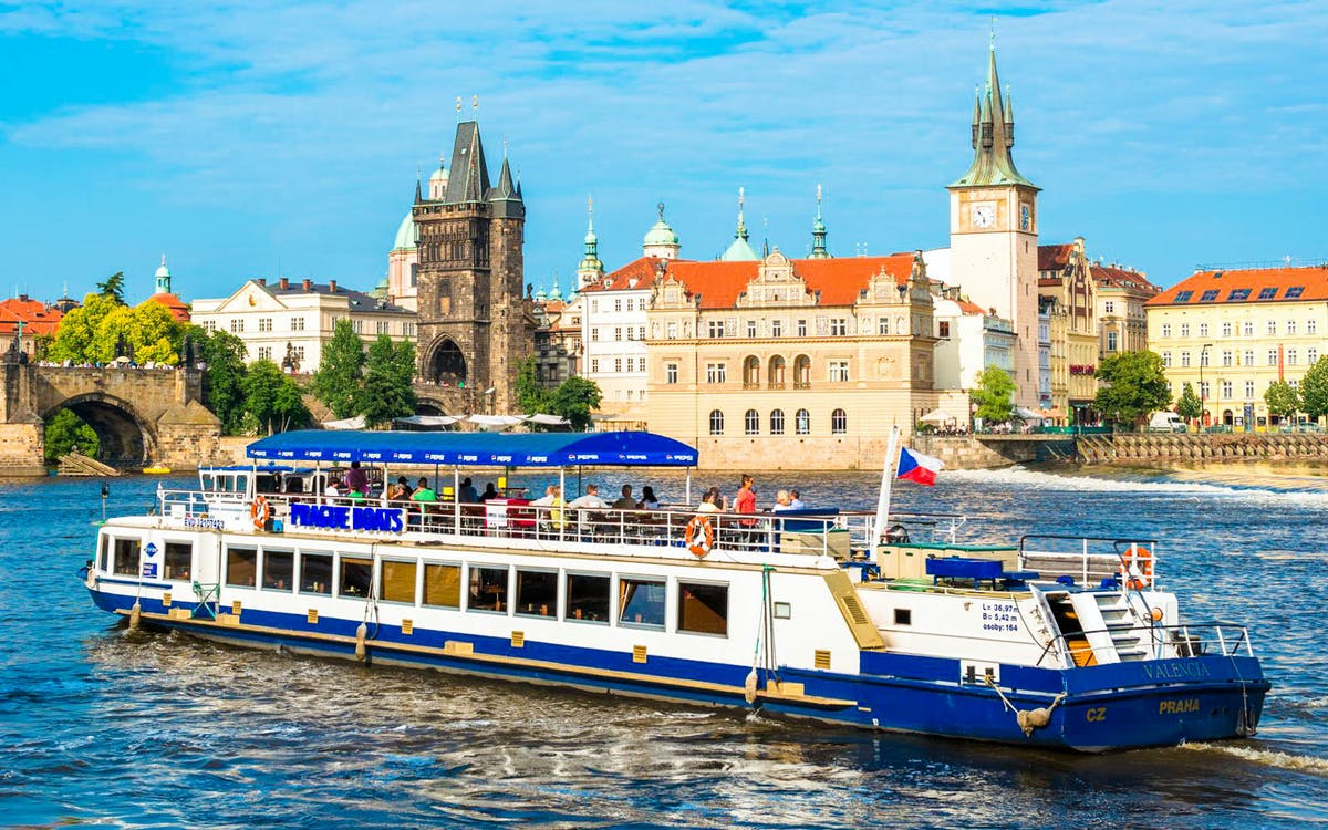 prague: 1hr sightseeing cruise with optional prosecco-1