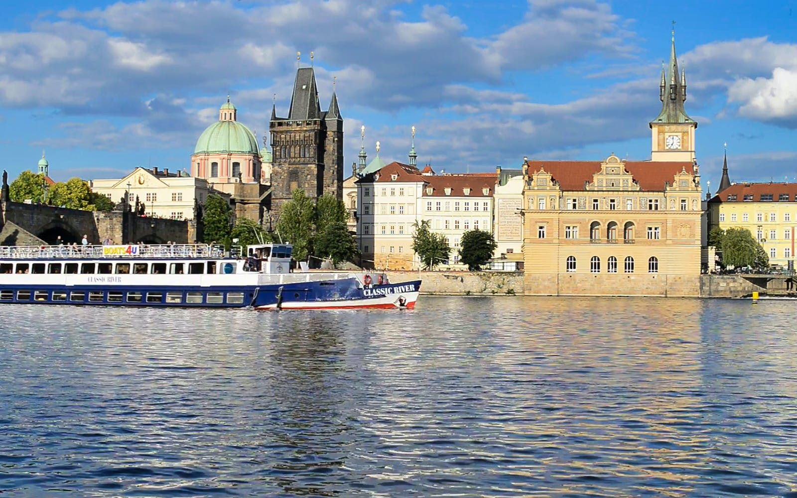 prague sightseeing cruise on the vltava river-3