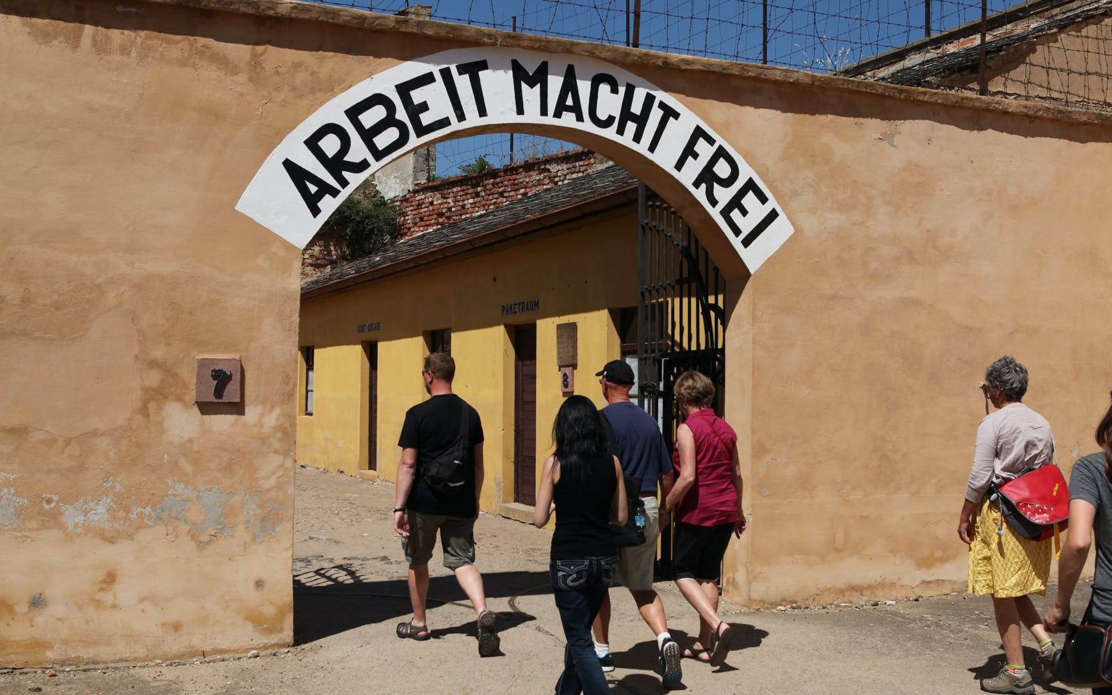historic tour of terezin concentration camp -1