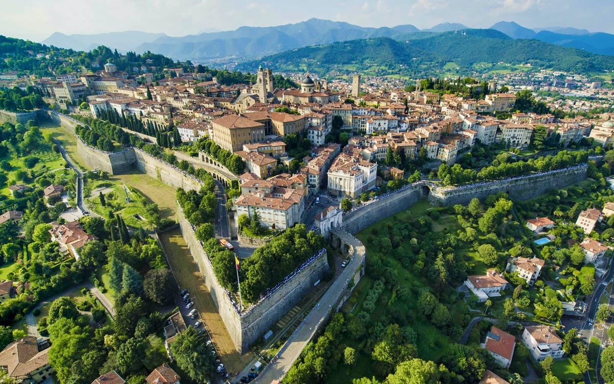 bergamo half day tour from milan-1
